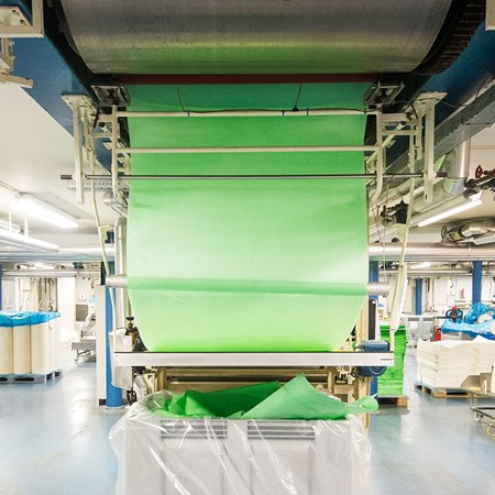 Rolldryer outputting green wafer paper